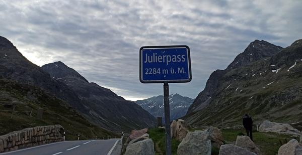 První ranní zastávka ve Švýcarsku po odjezdu z Prahy