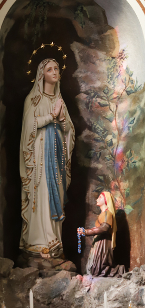 P. Maria v kostelíku hned u nádraží železniční stanice vesničky Campocologno, odkud náš zájezd vyjížděl do St. Moritze