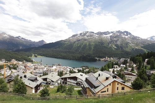 Pohled na St. Moritz z ptačí perspektivy