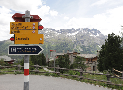 Nad švýcarským městečkem St. Moritz