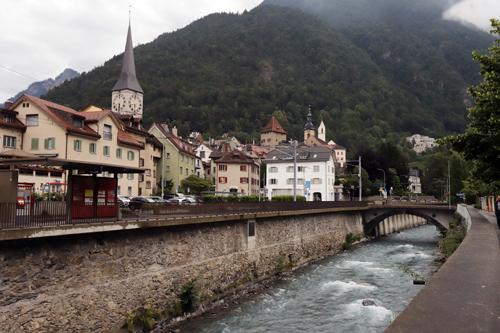 Švýcarským městečkem Chur protéká řeka Rýn
