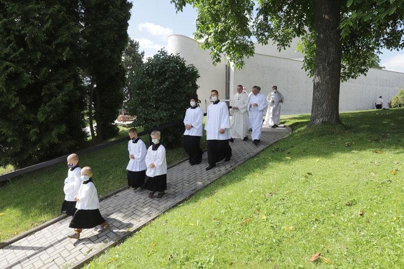 Spěcháme přivítat pana biskupa
