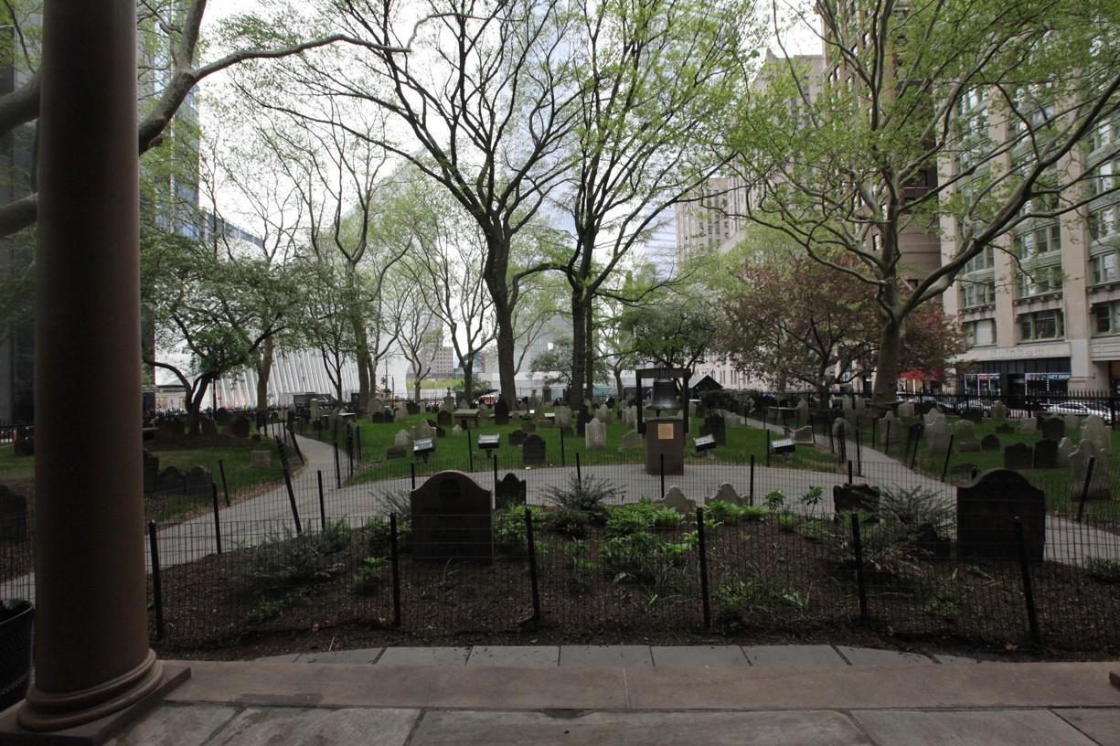 Malý hřbitov u kostela sv. Pavla