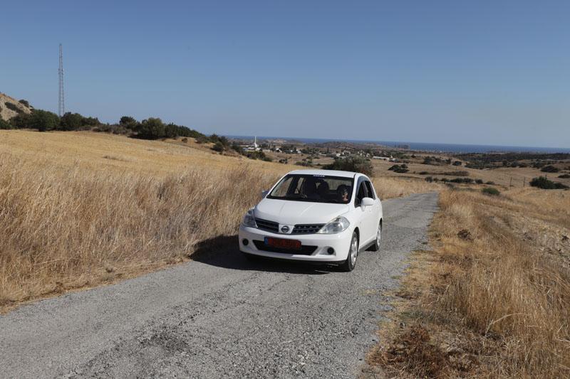Na výlety jsme si frčeli tímto půjčeným autíčkem se skvělým řidičem - mým švagrem